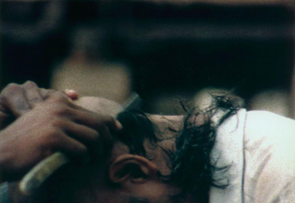 Ether/Aakaash, 2002, Film 16mm couleur, sonore, 1 h 41 min 13 sec© Viswanadhan© Adagp, Paris© Centre Pompidou, MNAM-CCI/Service de la documentation photographique du MNAM/Dist. RMN-GP