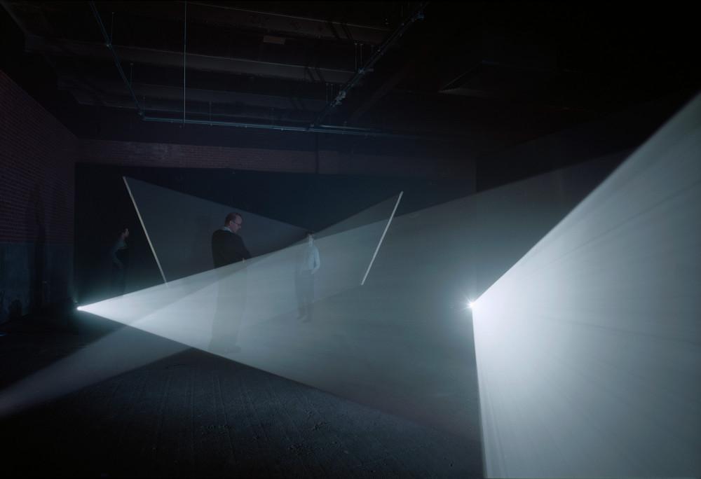 Long Film for Four Projectors, 1974© Anthony McCall© Centre Pompidou, MNAM-CCI/Service de la documentation photographique du MNAM/Dist. RMN-GP© Courtesy of the artist and Galerie Thomas Zander