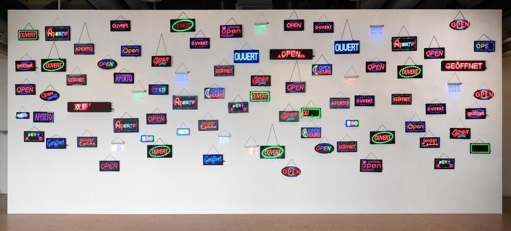 Open Wall, 2010© Pascale Marthine Tayou© Georges Meguerditchian - Centre Pompidou, MNAM-CCI /Dist. RMN-GP© Adagp, Paris© SABAM Belgium 2018