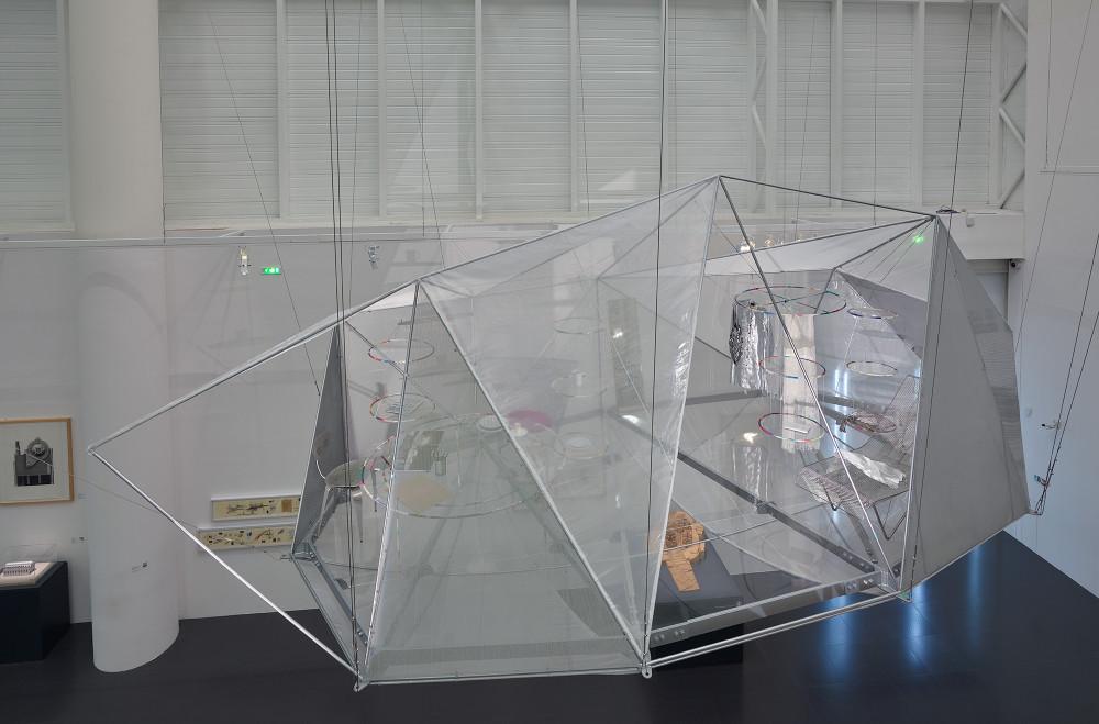"""Présentation dans l'exposition """" Japan-ness. Architecture et urbanisme au Japon depuis 1945"""", Centre Pompidou - Metz, 25/08/2017-08/01/2018© Toyo Ito© Centre Pompidou, MNAM-CCI/Bertrand Prévost"""