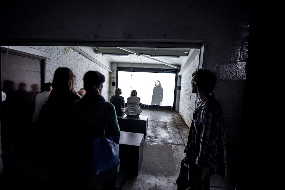 <span class='copyright'>© Ariane Loze, L'ARCHIPEL DU MOI, 2018</span><span class='copyright'>© Veerle Vercauteren</span>